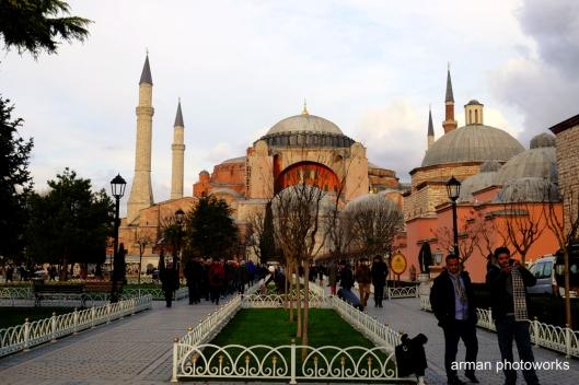 Digunakan sebagai gereja selama 916 tahun sejak dibangun tahun 537 dan beralih fungsi sebagai masjid selama 481 tahun