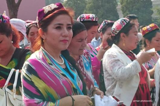 Profil wajah pengunjung ini lebih mirip Asia Tengah ketimbang China (Sony Xperia Z3+)